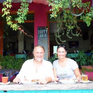 Flores, Palenque, San Cristobal: Frühstück im netten San Telmo mit Blick über den See