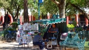 San Cristobal: Auch auf dem Parque Central herrscht geschäftiges Treiben