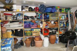 Wohnungsauflösung: Alles fängt mit dem Sortieren der guten Stücke an