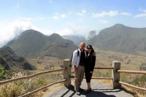 Ecuador, Quito Vulkan Pululahua mit Blick zum Cerro Pondoña und Rumiloma