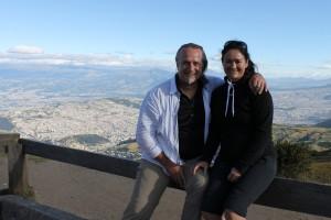 Ecuador: Mit dem TeleferiQo auf den Cruz Loma und Blick auf Quito