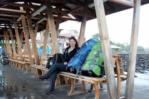 Galapagos, San Cristobal: Warten auf das Speedboot nach Santa Cruz