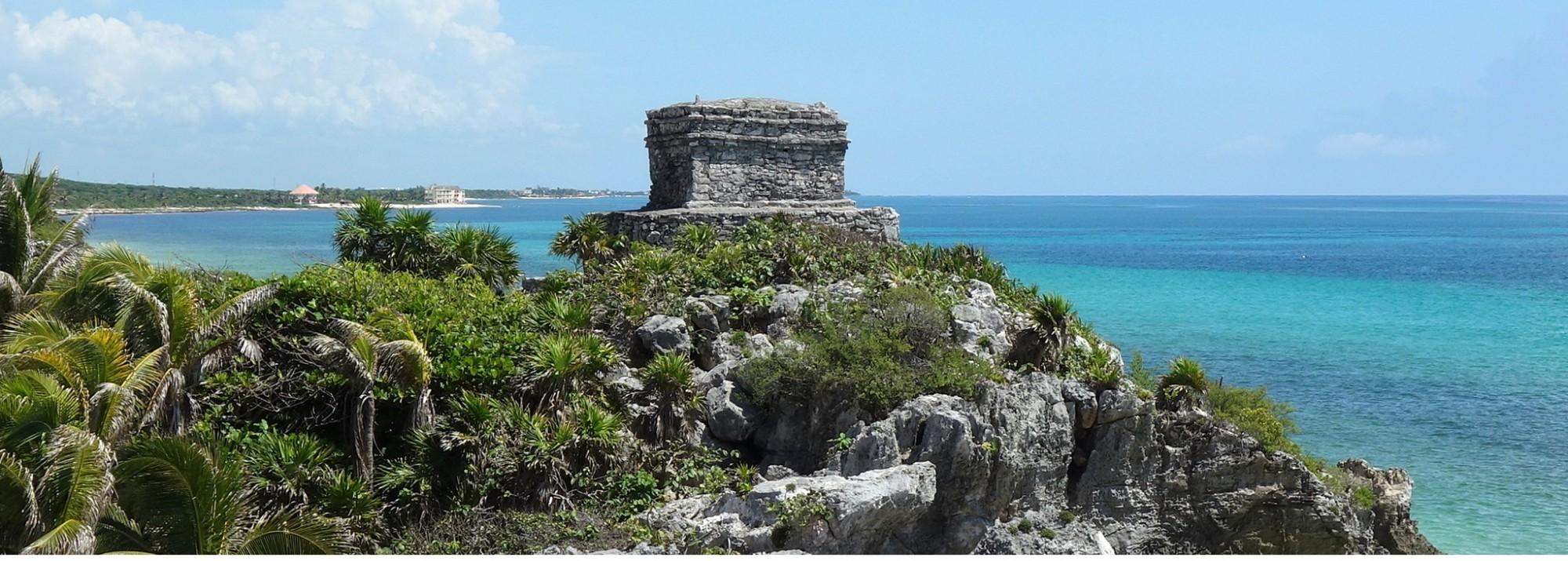 Mexiko, Tulum: Das berühmte Postkartenbild der Maya Ruinen von Tulum