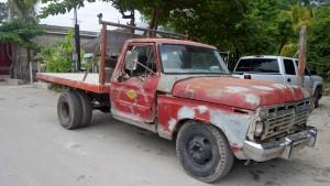 Mexiko: Dieser Truck passt ganz gut zu den Maya Ruinen